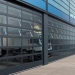 Porte sectionnelle avec panneaux vitrés