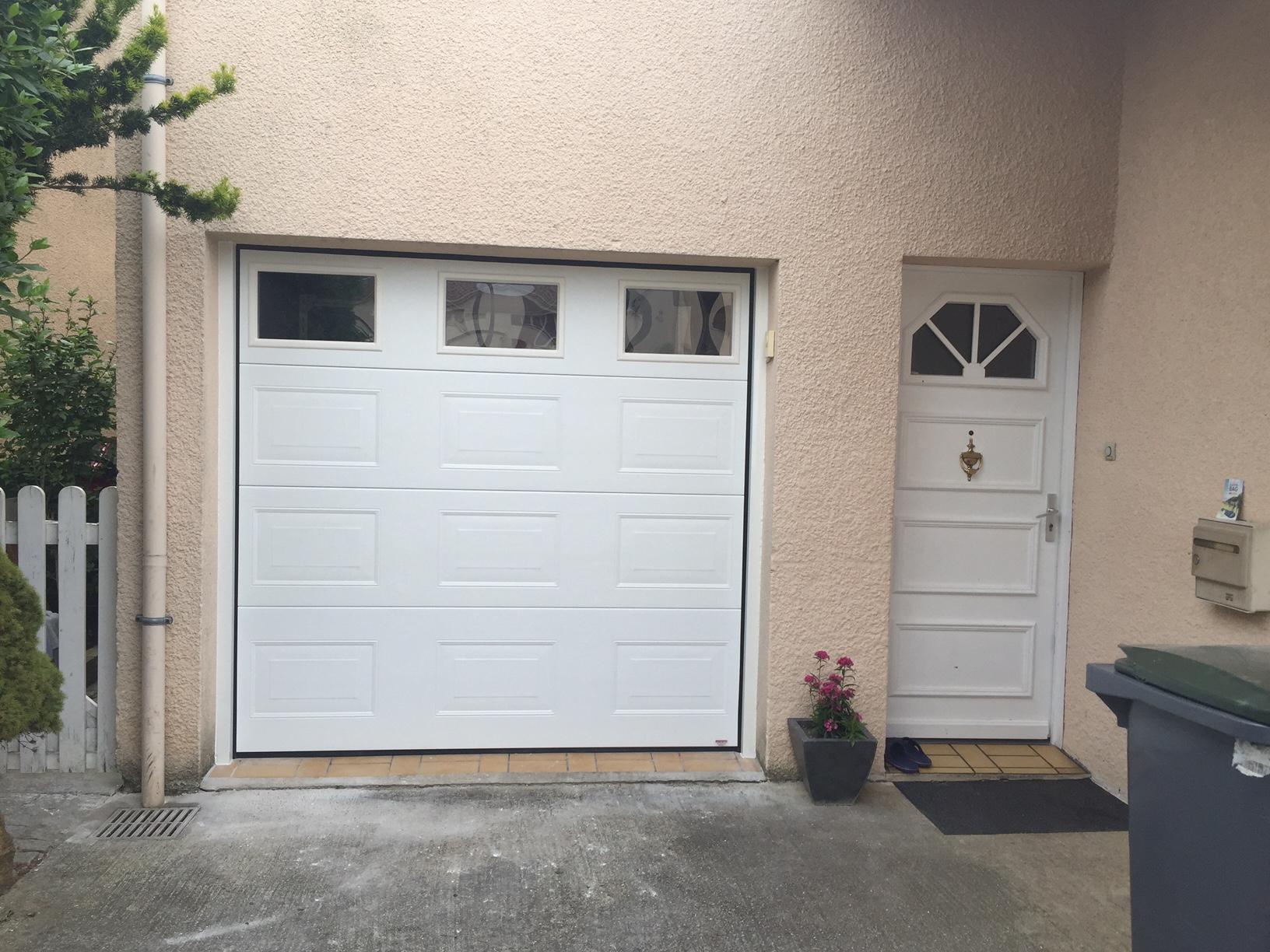 Portes de garage sectionnelle r sidentielle portech for Le nouy porte de garage