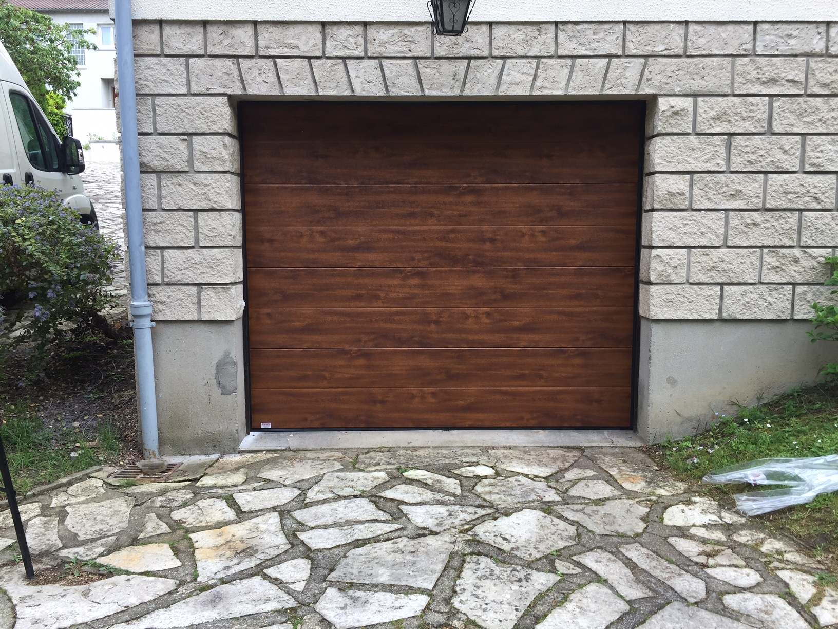 Portes de garage sectionnelle r sidentielle portech for Porte de garage mulhouse
