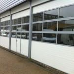 Porte industrielle avec panneaux vitrés Portech