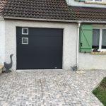 porte sectionnelle gris ral 7016 avec 2 hublots alu nox