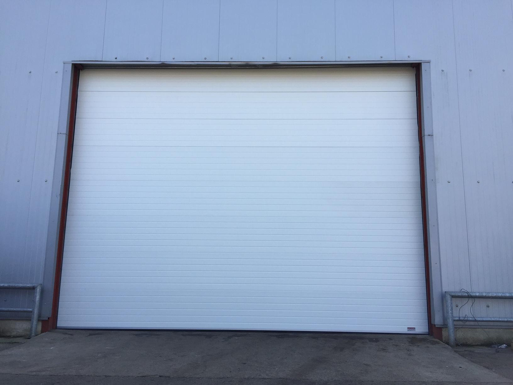 Portes sectionnelle industrielle sure mesure portech - Porte sectionnelle industrielle occasion ...
